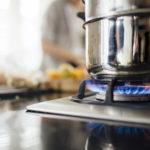 Comment éteindre les flammes d'un feu d'huile de cuisson ?