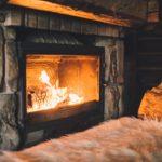Comment éteindre un feu de cheminée ?